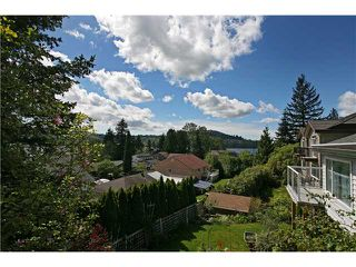 "Photo 2: 624 IOCO Road in Port Moody: North Shore Pt Moody House for sale in ""PLEASANTSIDE COMMUNITY"" : MLS®# V829422"