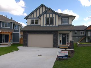 Photo 1: 32628 MAYNARD Place in Mission: Mission BC House for sale : MLS®# F1023839