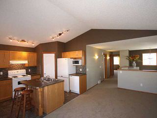 Photo 3: 125 TARACOVE Way NE in CALGARY: Taradale Residential Detached Single Family for sale (Calgary)  : MLS®# C3456094