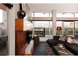 "Photo 3: 801 33 W PENDER Street in Vancouver: Downtown VW Condo for sale in ""33 LIVING"" (Vancouver West)  : MLS®# V869043"
