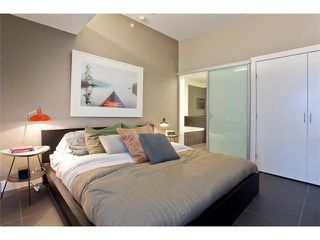 "Photo 8: 801 33 W PENDER Street in Vancouver: Downtown VW Condo for sale in ""33 LIVING"" (Vancouver West)  : MLS®# V869043"