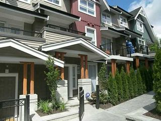 "Photo 2: 7036 MONT ROYAL SQ in Vancouver: Champlain Heights Townhouse for sale in ""BRITTANY"" (Vancouver East)  : MLS®# V597372"