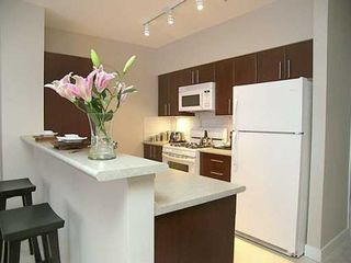 "Photo 3: 7036 MONT ROYAL SQ in Vancouver: Champlain Heights Townhouse for sale in ""BRITTANY"" (Vancouver East)  : MLS®# V597372"