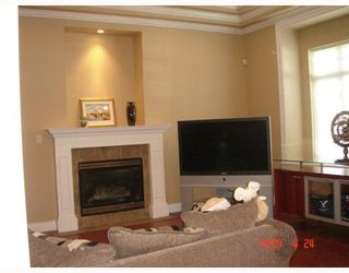 Photo 2: 8233 GILBERT Road in Richmond: Woodwards House for sale : MLS®# V765238
