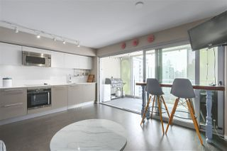 Photo 4: 1604 999 SEYMOUR Street in Vancouver: Downtown VW Condo for sale (Vancouver West)  : MLS®# R2397812