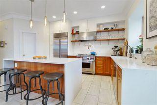 Photo 5: 11104 UNIVERSITY Avenue in Edmonton: Zone 15 Attached Home for sale : MLS®# E4180982