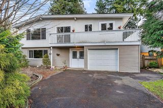 Photo 1: 12330 CARLTON Street in Maple Ridge: West Central House for sale : MLS®# R2428981
