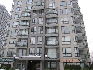 "Photo 1: 603 838 AGNES Street in New Westminster: Downtown NW Condo for sale in ""Westminster Towers"" : MLS®# R2430621"