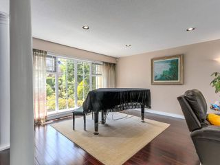 Photo 3: 4049 W 27TH Avenue in Vancouver: Dunbar House for sale (Vancouver West)  : MLS®# R2443846