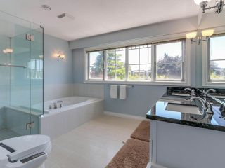 Photo 16: 4049 W 27TH Avenue in Vancouver: Dunbar House for sale (Vancouver West)  : MLS®# R2443846