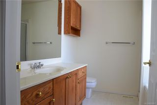 Photo 8: 8 Eagle Lane in View Royal: VR Glentana Manufactured Home for sale : MLS®# 843897