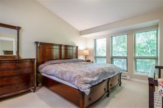 Photo 10: 327 E 15TH STREET in North Vancouver: Central Lonsdale Townhouse for sale : MLS®# R2494797