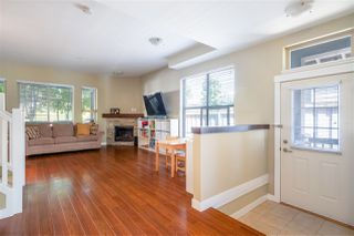 Photo 3: 327 E 15TH STREET in North Vancouver: Central Lonsdale Townhouse for sale : MLS®# R2494797