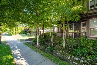 Photo 2: 327 E 15TH STREET in North Vancouver: Central Lonsdale Townhouse for sale : MLS®# R2494797