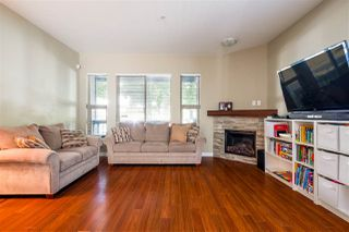 Photo 4: 327 E 15TH STREET in North Vancouver: Central Lonsdale Townhouse for sale : MLS®# R2494797
