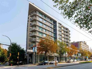 "Photo 1: 809 328 E 11TH Avenue in Vancouver: Mount Pleasant VE Condo for sale in ""UNO"" (Vancouver East)  : MLS®# R2507884"