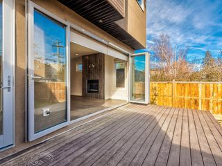 Photo 13: 524 37 Street NW in Calgary: Parkdale Semi Detached for sale : MLS®# A1047592
