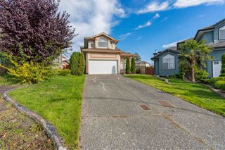 "Photo 1: 8298 151A Street in Surrey: Bear Creek Green Timbers House for sale in ""Shaughnessy View"" : MLS®# R2515681"
