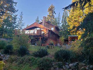 Main Photo: 8092 SOUTHWOOD Road in Halfmoon Bay: Halfmn Bay Secret Cv Redroofs House for sale (Sunshine Coast)  : MLS®# R2525887