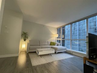 Photo 6: 704 1189 MELVILLE Street in Vancouver: Coal Harbour Condo for sale (Vancouver West)  : MLS®# R2526893