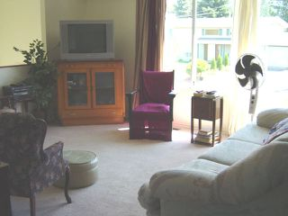 Photo 2: 45275 STIRLING AV in Sardis: Sardis West Vedder Rd House for sale : MLS®# H2602226