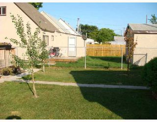 Photo 9: 610 CHALMERS Avenue in WINNIPEG: East Kildonan Residential for sale (North East Winnipeg)  : MLS®# 2815098