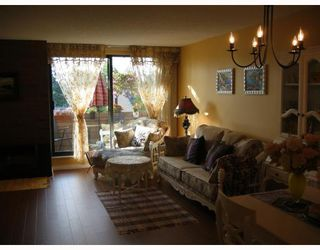 """Photo 3: 4019 ARBUTUS Street in Vancouver: Quilchena Townhouse for sale in """"ARBUTUS VILLAGE"""" (Vancouver West)  : MLS®# V728243"""