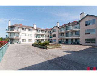 "Photo 3: 303 1755 SALTON Road in Abbotsford: Central Abbotsford Condo for sale in ""THE GATEWAY"" : MLS®# F2904611"