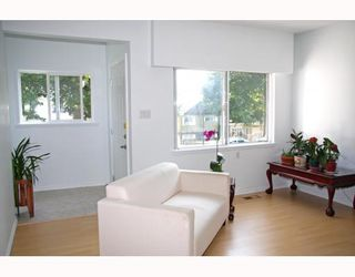 Photo 4: 3277 E 8TH Avenue in Vancouver: Renfrew VE House for sale (Vancouver East)  : MLS®# V772436