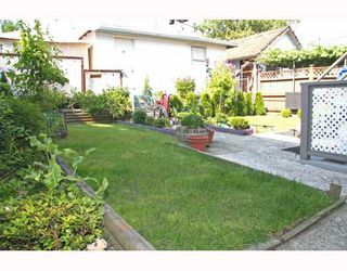 Photo 5: 3277 E 8TH Avenue in Vancouver: Renfrew VE House for sale (Vancouver East)  : MLS®# V772436