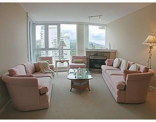 Photo 3: 1606 235 GUILDFORD Way in Port_Moody: North Shore Pt Moody Condo for sale (Port Moody)  : MLS®# V772912