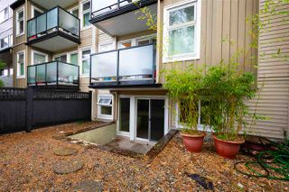 """Photo 8: 5 1850 E SOUTHMERE Crescent in Surrey: Sunnyside Park Surrey Condo for sale in """"Southmere Place"""" (South Surrey White Rock)  : MLS®# R2410986"""