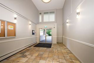 """Photo 2: 5 1850 E SOUTHMERE Crescent in Surrey: Sunnyside Park Surrey Condo for sale in """"Southmere Place"""" (South Surrey White Rock)  : MLS®# R2410986"""
