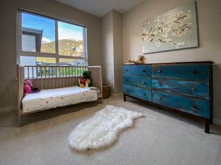 """Photo 11: 1177 NATURES GATE Crescent in Squamish: Downtown SQ Townhouse for sale in """"Natures Gate at Eaglewind"""" : MLS®# R2459208"""