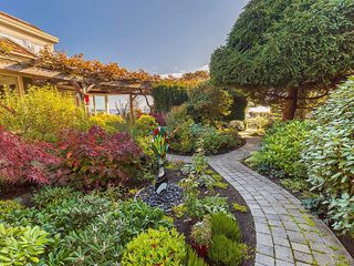 Photo 41: 3065 Surrey Rd in Oak Bay: OB Uplands House for sale : MLS®# 838744