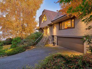 Photo 2: 3065 Surrey Rd in Oak Bay: OB Uplands House for sale : MLS®# 838744