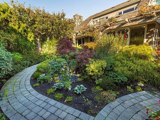 Photo 40: 3065 Surrey Rd in Oak Bay: OB Uplands House for sale : MLS®# 838744