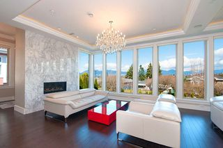 Main Photo: 2588 EDGAR Crescent in Vancouver: Quilchena House for sale (Vancouver West)  : MLS®# R2501182