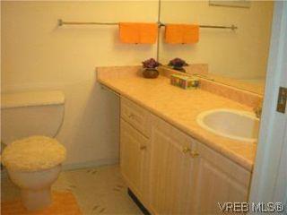 Photo 13: 205 951 Topaz Ave in VICTORIA: Vi Hillside Condo for sale (Victoria)  : MLS®# 514982