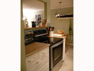 "Photo 2: 209 515 11TH Street in New Westminster: Uptown NW Condo for sale in ""MAGNOLIA MANOR"" : MLS®# V814496"