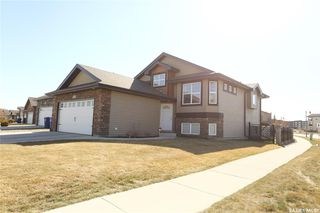 Photo 2: 102 Whalley Crescent in Saskatoon: Stonebridge Residential for sale : MLS®# SK786823