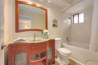 Photo 16: 1671 141B Street in Surrey: Sunnyside Park Surrey House for sale (South Surrey White Rock)  : MLS®# R2406872