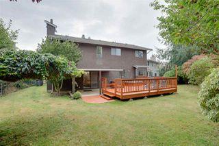Photo 18: 1671 141B Street in Surrey: Sunnyside Park Surrey House for sale (South Surrey White Rock)  : MLS®# R2406872