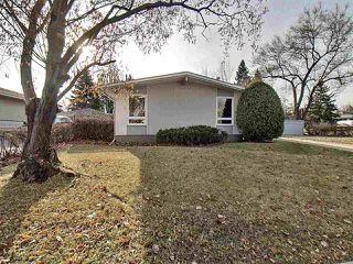 Photo 2: 15421 76 Avenue in Edmonton: Zone 22 House for sale : MLS®# E4193288
