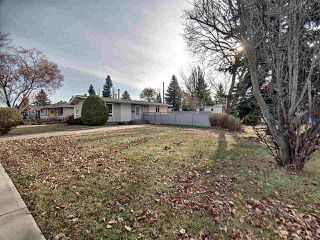 Photo 3: 15421 76 Avenue in Edmonton: Zone 22 House for sale : MLS®# E4193288