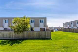 Photo 2: 173 CORNELL Court in Edmonton: Zone 02 Townhouse for sale : MLS®# E4199224