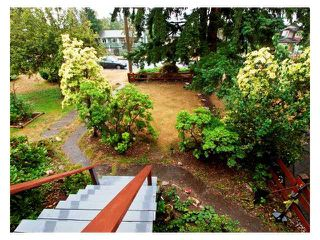 Photo 2: 614 E 4TH Street in North Vancouver: Queensbury House for sale : MLS®# V848038