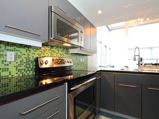 "Photo 2: 6 2088 W 11TH Avenue in Vancouver: Kitsilano Condo for sale in ""LOFTS IN KITS"" (Vancouver West)  : MLS®# V866328"