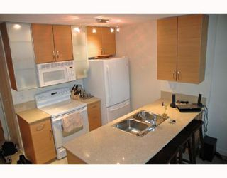 Photo 2: 1207 928 HOMER Street in Vancouver: Downtown VW Condo for sale (Vancouver West)  : MLS®# V723773
