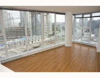 Photo 2: 708 602 CITADEL PARADE BB in Vancouver: Downtown VW Condo for sale (Vancouver West)  : MLS®# V742592